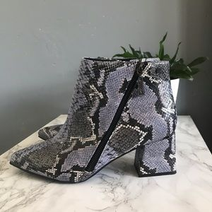 Shoes - Luxe comfort blue snake boots